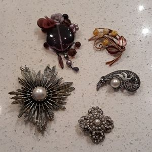 Brooches, pins 5 pieces